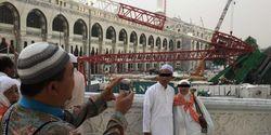 """Mekkah Berduka, Pasangan Ini Malah """"Selfie"""""""